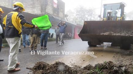 rehabilitacion y limpieza de carreteras en zongolica2