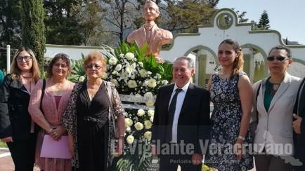 105 aniversario de camerino z. mendoza
