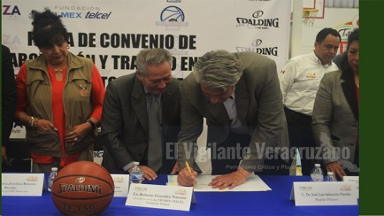 firman convenio ayuntamiento de mendoza y fundación telmex