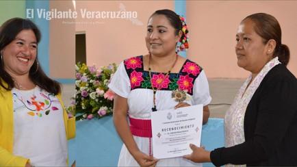 reconocen labor de maria angelica mendez margarito