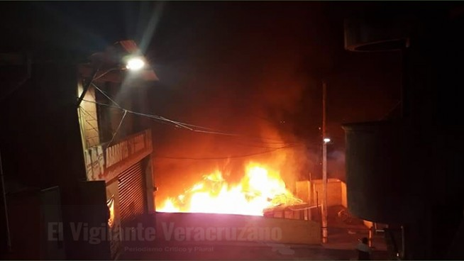 incendio de vivienda en tlaquilpa