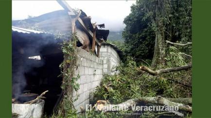 vivienda dañada en huiloapan