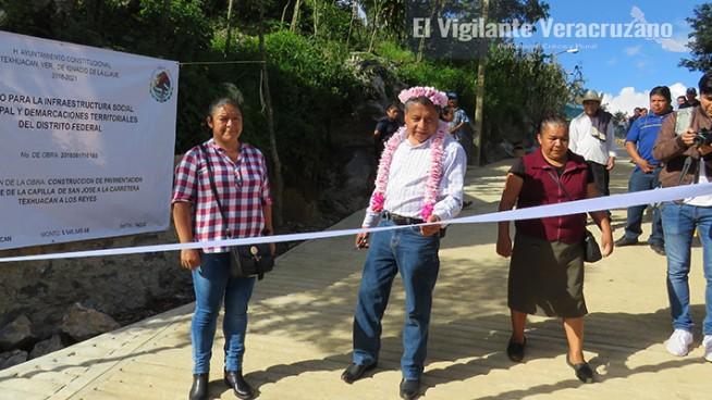 inauguran pavimentacion en cuauhtempa texhuacan
