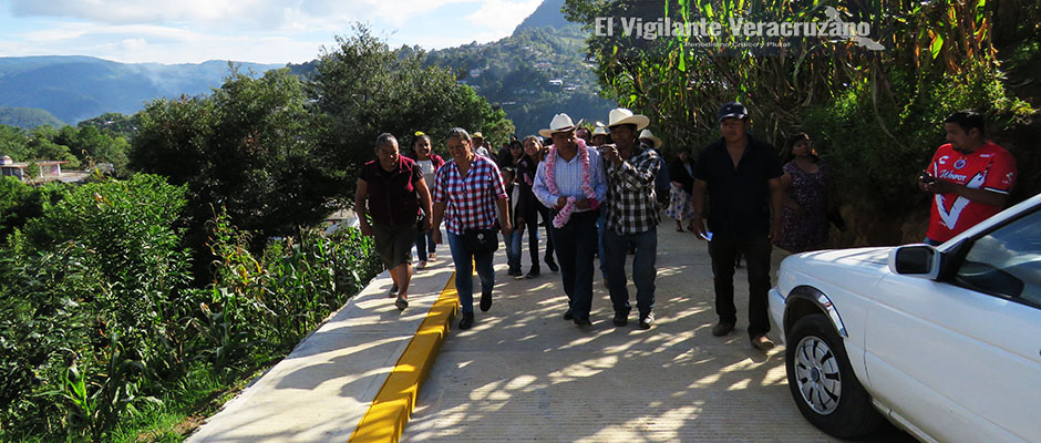 inauguran pavimentacion en cuauhtempa texhuacan2
