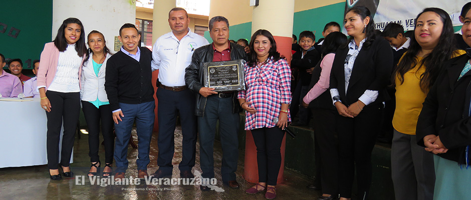 inauguran techado escolar en primaria salvador diaz mirón de texhuacan