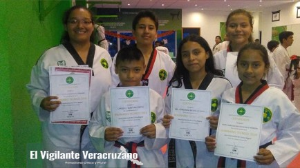 alumnos de taw kwon do