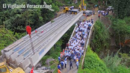 construcción de puente mico en ixtac