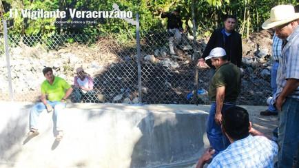 tanque de almacenamiento de agua en nogales zongolica