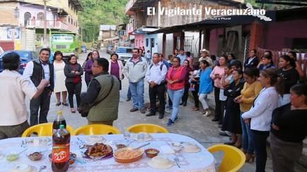 agradecen familias de la colonia indeco al alcalde juan carlos mezhua
