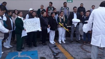 manifestacion de médicos tras despido injustificado