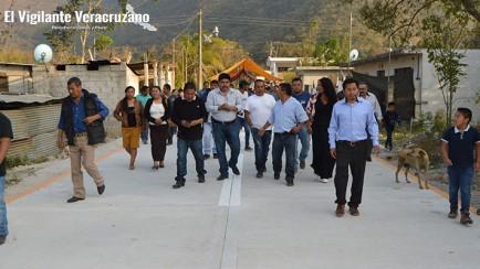 alcalde de atzompa entrega pavimentación en las porfiadas