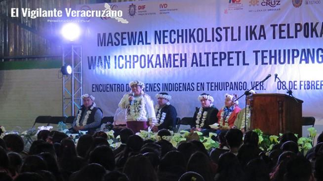 encuentro de jóvenes indígens en tehuipango