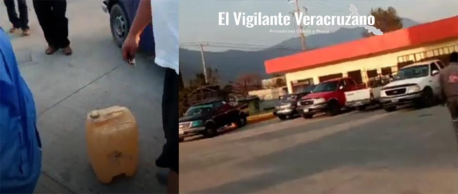 les surten agua en lugar de gasolina en gasolinera de tecamalucan2