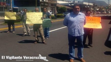 bloquean transportistas avenida principal en orizaba