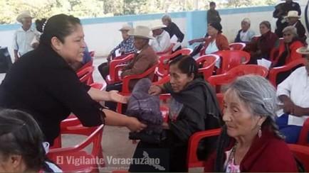 entregan apoyos a adultos mayores en magdalena