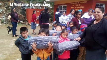 entregan cobertores a alumnos de preescolar en magdalena