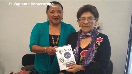 nominan a nogalense para premio estatal de la mujer