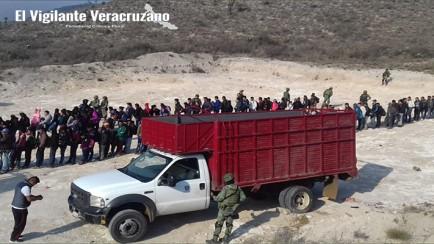 abandonan a migrantes en azumbilla