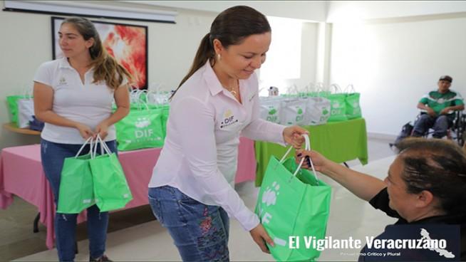 entrega de despensas sin bolsas contaminantes en orizaba