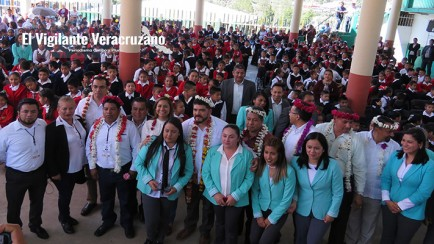 presenta sev programa de becas en texhuacan