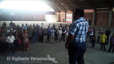 reunion sobre agua potable en atzacan