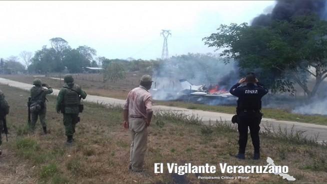aterriza avioneta incendiada en tres valles
