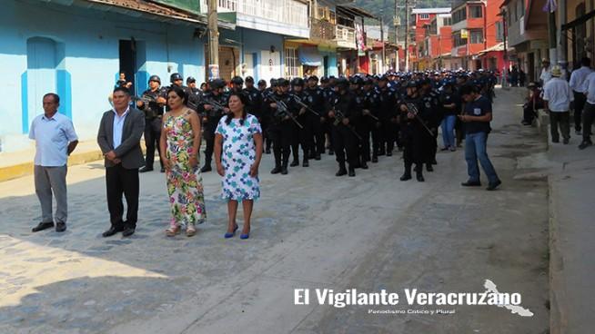 desfile cívico conmemorativo a la batalla de puebla en zongolica