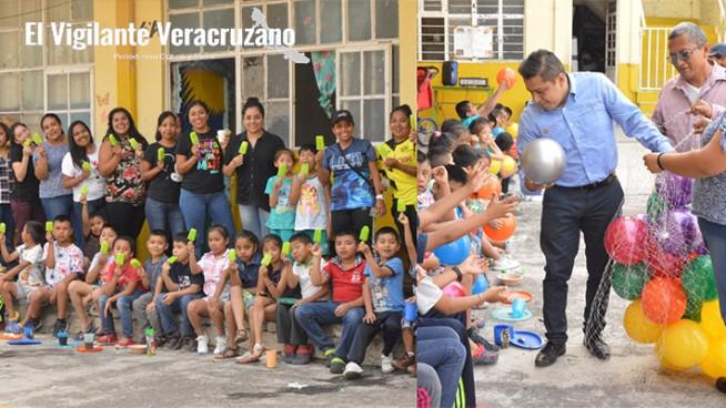 festival del día del niño en escuela guillermo prieto