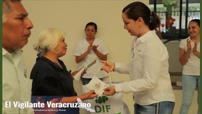 beneficiarias con despensas en dif de orizaba