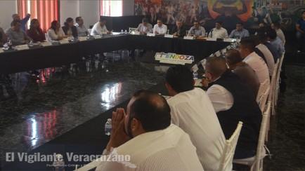 reunion de alcaldes y empresarios con jorge wincler ortiz