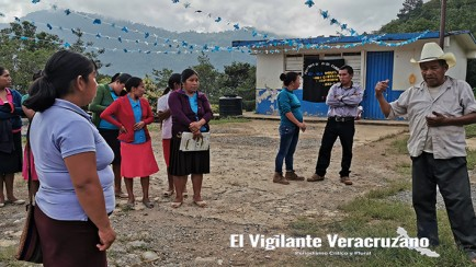 reunion de alcaldesa de mixtla margarita montalvo acahua con gente de xala1