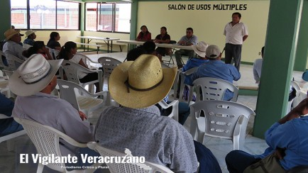 reunion de alcaldesa margarita montalvo acahua con agentes y sub agentes municipales
