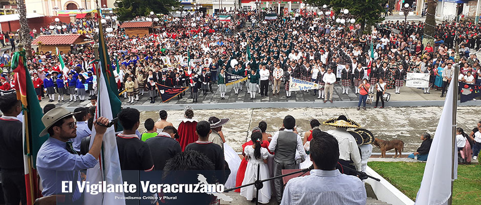 desfile de 16 de septiembre en la perla1