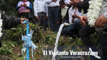 agua potable en atlahuilco