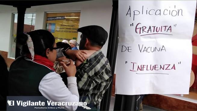 aplicación de vacuna contra influenza