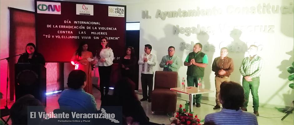 carmen campuzano ofrece conferencia a mujeres de nogales2