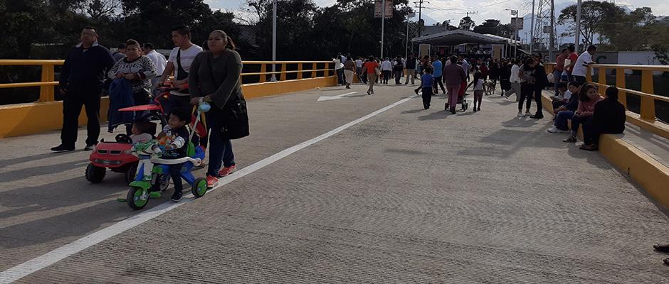 inaugura alcalde de ixtaczoquitlán el puente reforma 2020 01