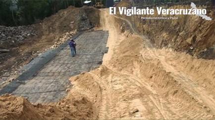 reparación de socavón en valle de tuxpango