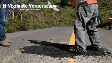 bacheo de la carretera zongolica-comalapa