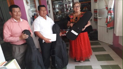 entregan instrumentos musicales a autoridades de magdalena