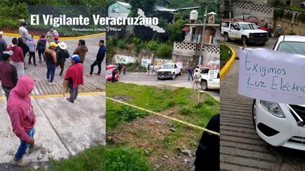 bloquean carretera y retienen a personal de cfe en texhuacan